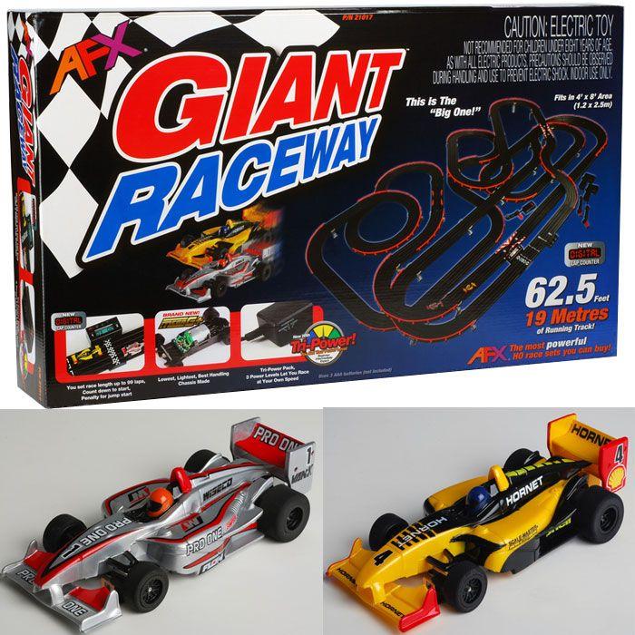 AFX Giant Raceway Electric Ho Slot Car Race Set MegaG+ Tri Power 21017